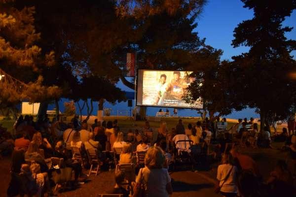 Najpoznatiji hrvatski putopisac gostovao u Sv. Filip i Jakovu sa svojim novim filmom