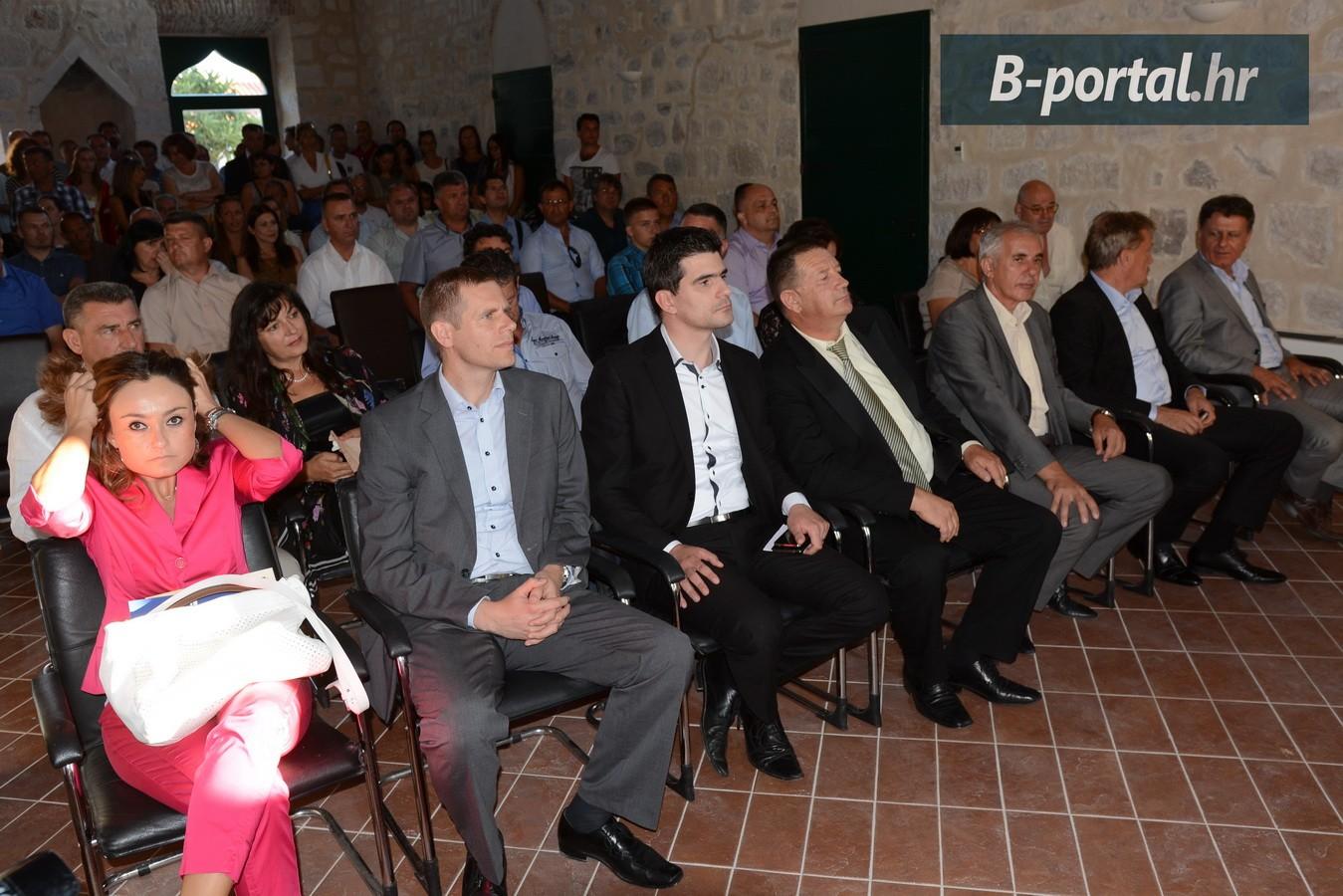 Na svečanoj sjednici Općinskog vijeća Općine Pakoštane, nazočio je i načelnik Općine Sv. Filip i Jakov Zoran Pelicarić