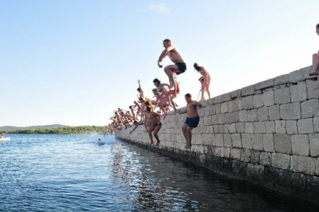 """Na rivi u Turnju: """"Turanjske stare igre"""""""