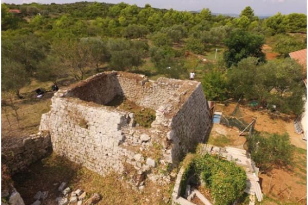Općina Sv. Filip i Jakov pokrenula sanaciju Bastiona - ljetnikovca obitelji de Soppe na otoku Babcu