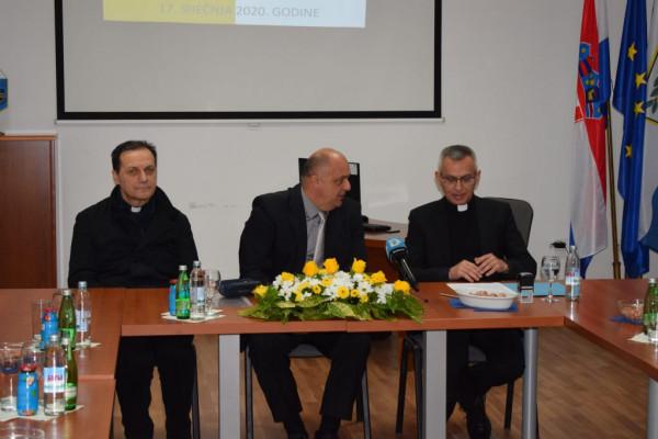 BNM PORTAL: Općina Sv. Filip i Jakov potpisala ugovor o darovanju zemljišta za izgradnju crkve u mjestu Turanj
