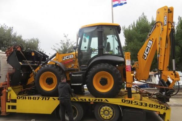 Općini Sv.Filip i Jakov dostavljeno novo građevinsko vozilo rovokopač – utovarivač