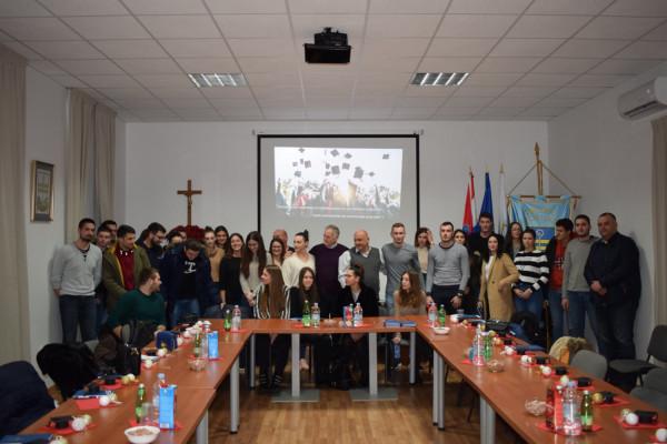 Općina Sv. Filip i Jakov osigurala stipendije za svoje studente