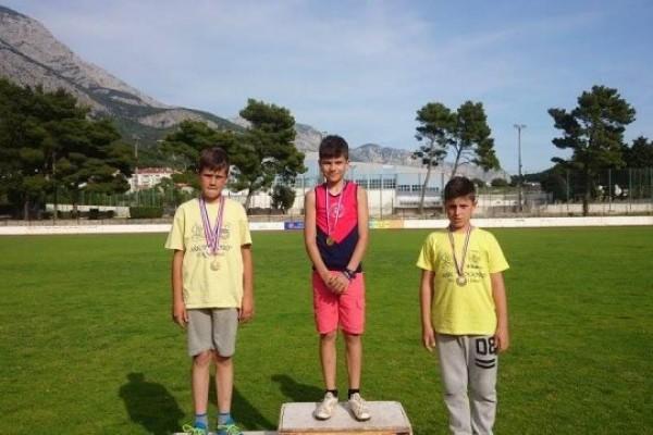 Mali atletičari iz Sv. Filipa i Jakova u Makarskoj osvojili 9 medalja