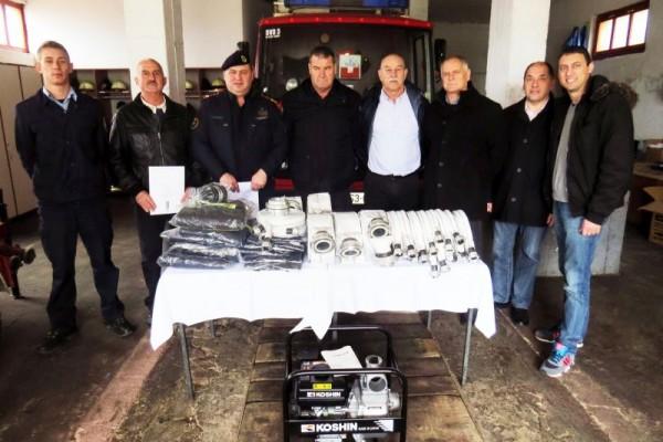 Tucaković darovao Majici vatrogasnu opremu vrijednu 20 tisuća kuna