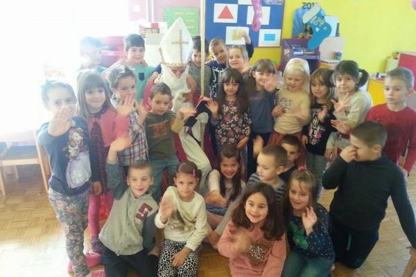 Sv. Nikola posjetio je djecu vrtića u Sv. Filip i Jakovu i Turnju