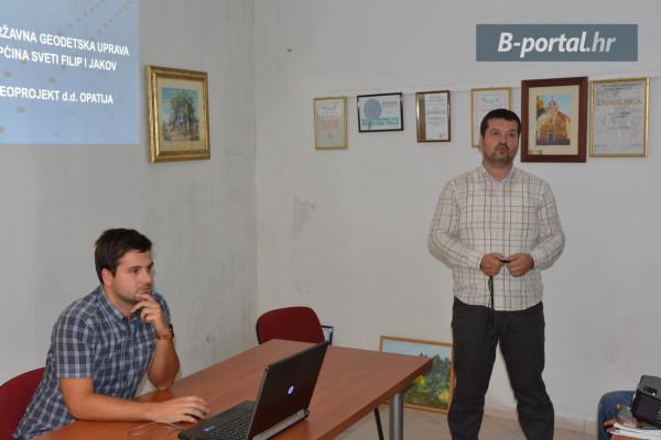 Povodom katastarske izmjere za k.o. Turanj, izvršitelj GEOPROJEKT Opatija biti će na raspolaganju svim mještanima u vezi bilo kakvih pitanja i nejasnoća